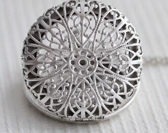 Locket Necklace,Filigree Silver Pocket Locket,Silver Locket,Flower Locket,Flower,Wedding Necklace,bridesmaid necklace