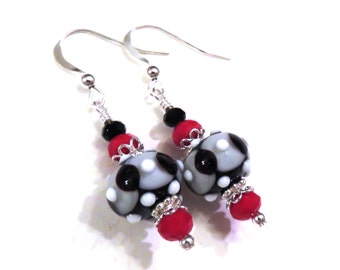Black & White Lampwork Earrings With Red Chinese Crystals, Black Earrings, White Earrings, Lampwork Jewelry, Red Earrings, Crystal Earrings