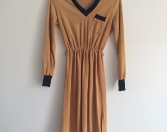 1970s v neck terry cloth sporty athletic hipster dress