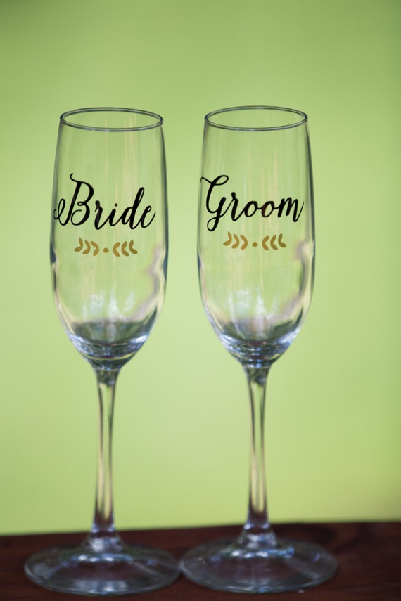 personalized wedding toasting flutes champagne glasses personalized