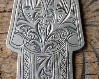 Silver Moroccan hand engraved long pendant