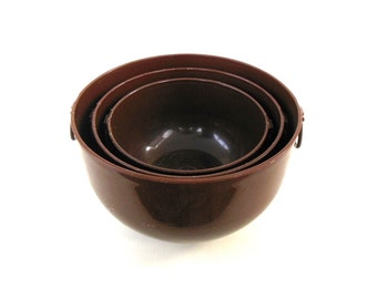 Ingrid Plastic Mixing Bowls Set 1970s Kitchen Vintage Brown Food Photography Prop (As-is - very worn)