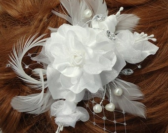 White Fascinator, Floral Hair Clip, Bridal Headpiece, Bridal Accessory