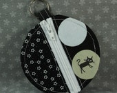Round Zip Coin Purse for Earbuds or Change -- Black Cats and White Stars (small)