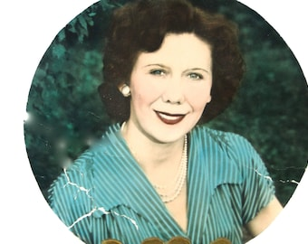 1940s Hand Painted Portrait Round Shaped // TLC Needed Vintage Professional Photography Collectible