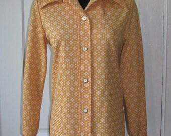 Super 70's MONTGOMERY WARD YELLOW Blouse // Vintage Women's Button Down Shirt Top Size 12 White Side Slits Estate