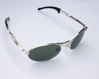 Authentic Vintage 90s Circle Sunglasses/  Oval Glasses w Silver Tone Frame - NOS Dead Stock Steampunk /Grunge/Hipster/Cyber