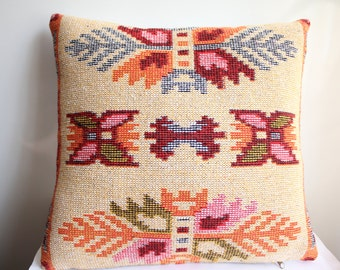Traditional Turkish Kilim Pillow Cover , Ivory and Red Pillow Case , Wowen Kilim Pillow