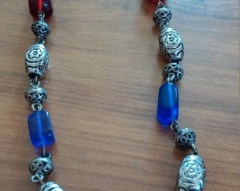 Vintage metal and glass bead necklace