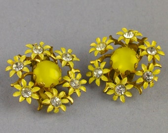 Vintage 1950's Daisy Clip Earrings
