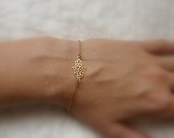 Gold Hamsa bracelet, Hamsa hand bracelet, Evil eye bracelet, Delicate Hamsa bracelet