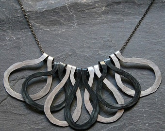 Black and White Tribal primitive necklace, Big bold statement necklace, Rustic jewelry, Hammered Artisan necklace, Chunky hoops, 1116