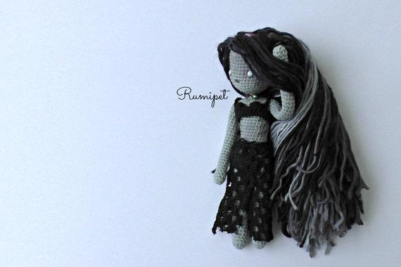 Amigurumi Patterns K And J Dolls Blog : Zombie Doll Crochet Zombie Doll Halloween Doll Horror Doll