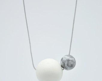 O+o // Porcelain necklace // White and Marbled