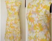 Vintage 1960s Mini Dress / Gallant California 60s Mod Day Dress / Floral Mini Dress / 60s Casual Dress / Scooter Dress / Drop Waist