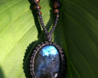Labradorite Macrame Necklace with Driftwood
