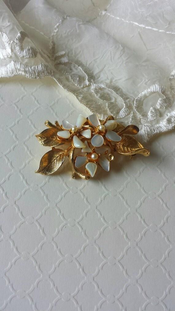 Capri Vintage Brooch Pin Ivory Flowers by TheWildVintageRose