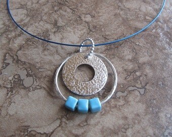 loop necklace with beads