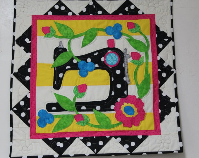 Wallhanging for Sewing Room, Quilted Wallhanging, Sewing Machine Wallhanging, Wallhanging for studio
