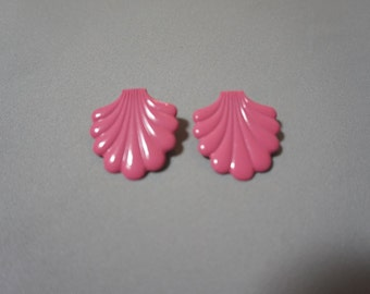 deco pink seashell super kawaii big avant garde 80s 1980s mermaid sea punk vintage studs earrings gift shell present one size jewelry kitsch