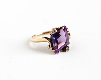 Sale - Vintage 10k Rosy Yellow Gold Created Purple Sapphire Ring - Retro 1960s Size 7 1/4 Synthetic Clear Spinel Artistic Fine Jewelry