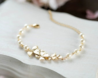 Bridal Bracelet Bridesmaid Bracelet Gold Orchid Flower Swarovski Cream Ivory White Pearl Bracelet Gold Wedding Bracelet Adjustable Bracelet