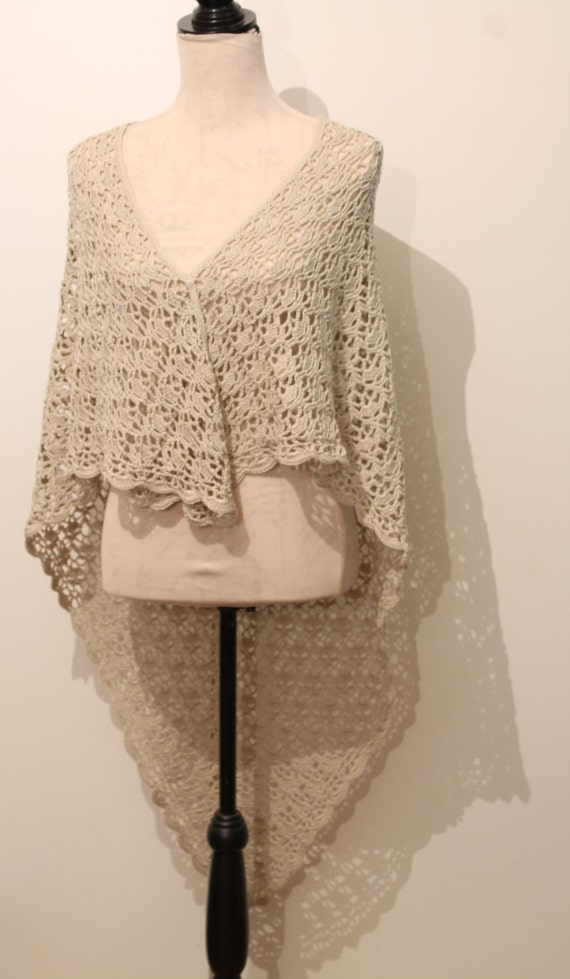 Scalloped Triangle Shawl Crochet Pattern : Crochet Triangular Lace Shawl with Scalloped Edging by