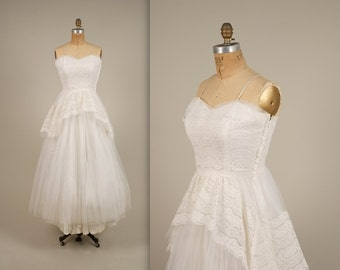 SALE • 1950s sweetheart wedding dress • vintage 50s dress • tulle prom dress (SH)