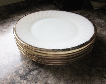 Fire King Golden Anniversary Dinner Plate Ivory Swirl Golden Shell Pattern - Mid Century 1960s Dinnerware - Made In USA Quality Vintage