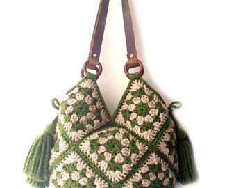 Large shoulder bag, real leather handles, forest green ecru large bag, crochet handbag, extra large, boho crochet bag, fashion crochet bag