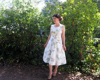 1950s day dress Cotton white and floral print  rhinestones M/L