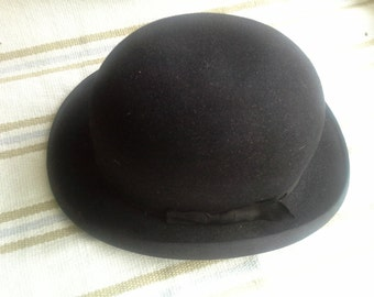 Perfect vintage bowler hat made in 20's with box