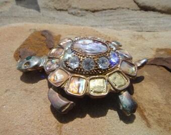 Vintage Beautiful Brooch Pin Pendant