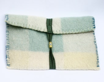 Blanket tablet sleeve