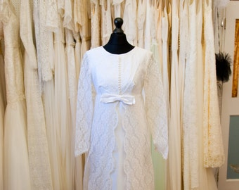 JONI // Vintage Wedding gown // 1960s wedding dress // Ivory with full lace train