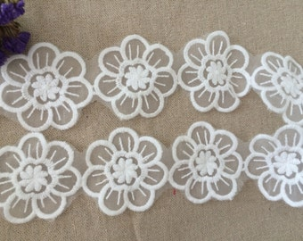 3 Yards White Floral Lace Trim, For Scrapbook, Home Decor, Apparel, Accessories, Victorian & Romantic Crafts YL127