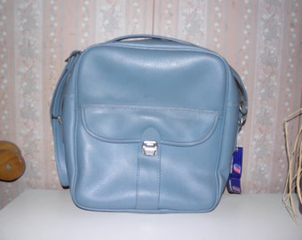 large over the shoulder blue travel/carry on by Travel Pro. inc.