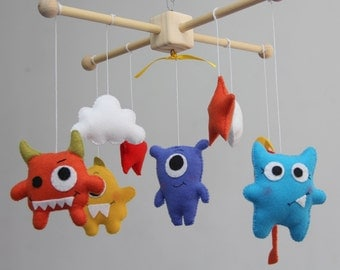 Baby Crib Mobile - Baby Mobile -Monster, baby crib mobile - Alien Mobile - Nursery Decor - Alien baby-Monster mobile