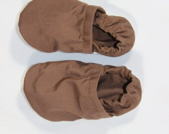 Colored Crib shoes, cloth booties, baby booties, soft soled shoes, baby footwear, cloth moccasins, child shoes, solid colored shoes