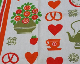Vintage fabric. 90 cm x 74 cm.