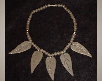 Vintage Acrylic Leaves Necklace
