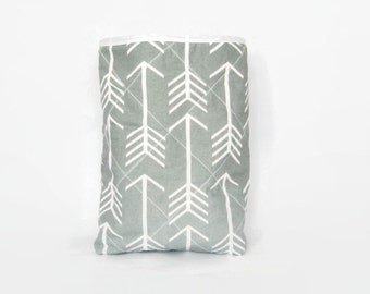 Quilted Grey Arrow Car Trash Bin