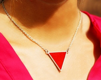 Necklace trriangle - set with leather - vermilion red / electric blue - reversible - silver plated chain - geometric - triangle pendant