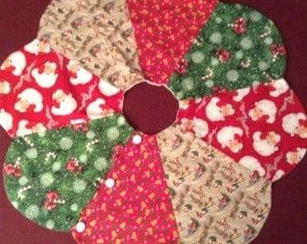 Santa's Christmas tree skirt