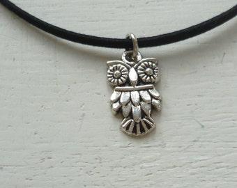 Owl choker,silver owl,owl necklace,black choker,owl jewellery,choker necklace,gift,handmade,simple necklace,small owl, woodland