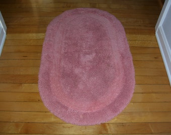Oval Throw Rug Pink 22x36 Vintage