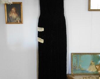 Elegant Midnight Black Silk Velvet 30's-40's Dress
