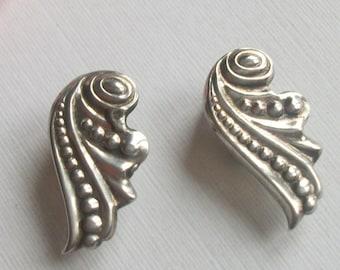 Vintage Silver Earrings, Clip On Earrings, Swirled Shell Design, Vintage Gift,