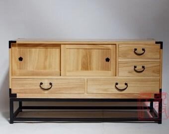 Japanese style kiri wood tansu. (KB49)