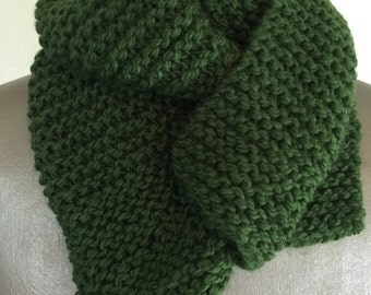 Kelly  Green Knit Scarf